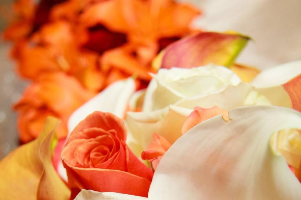 Flower arrangement for an autumn wedding