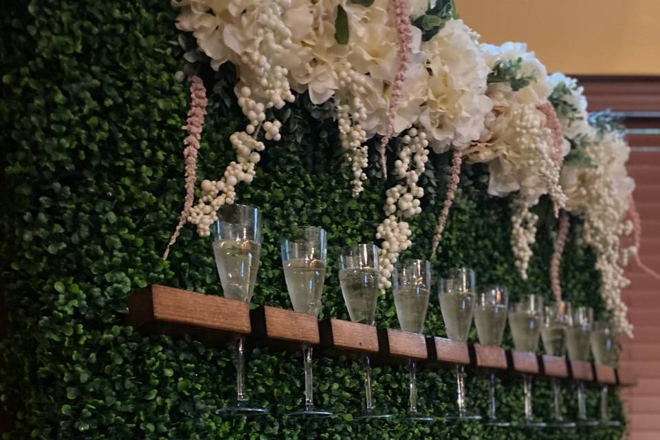 Champagne grass wall at Event