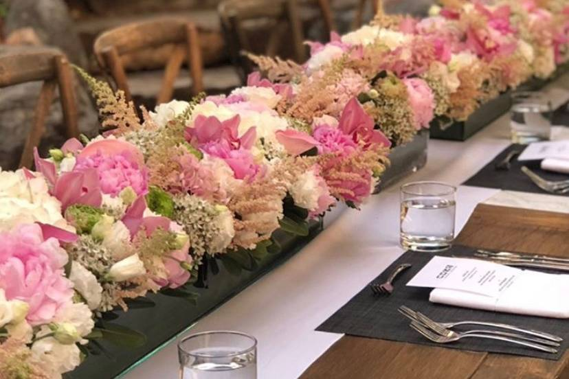 We love this table setting!
