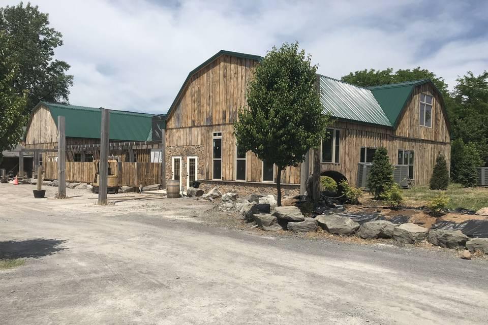 Lake Ontario Winery & Vineyards