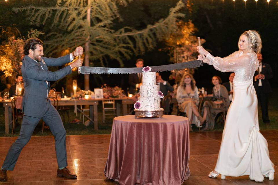 The ultimate cake cutting