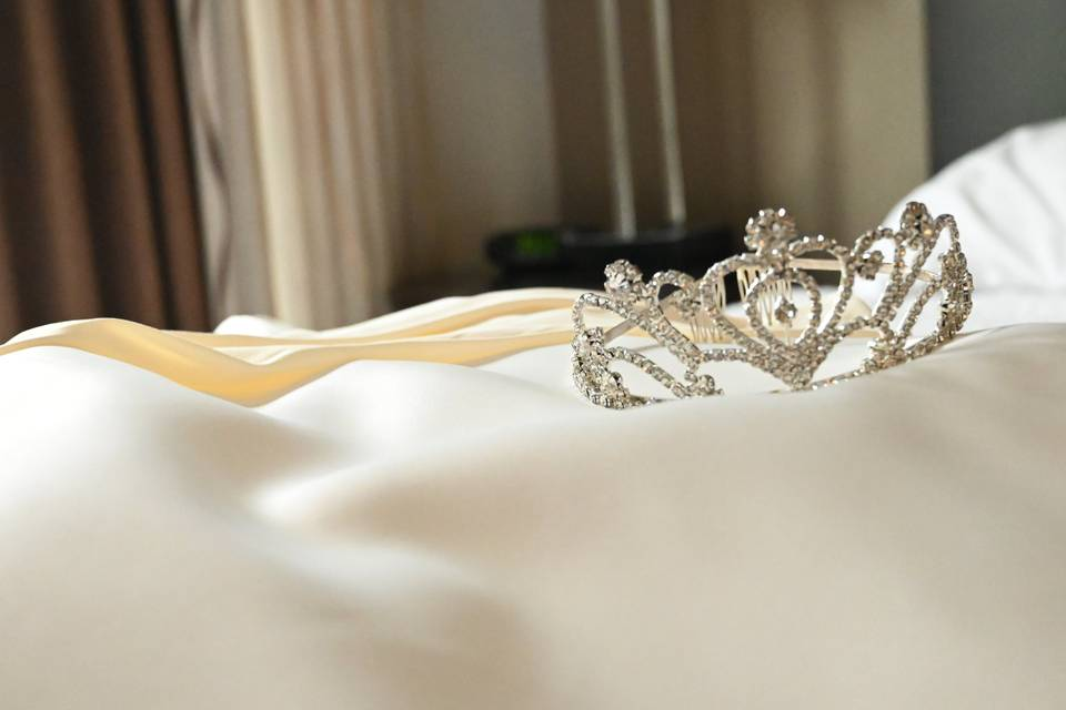 Crown and dress