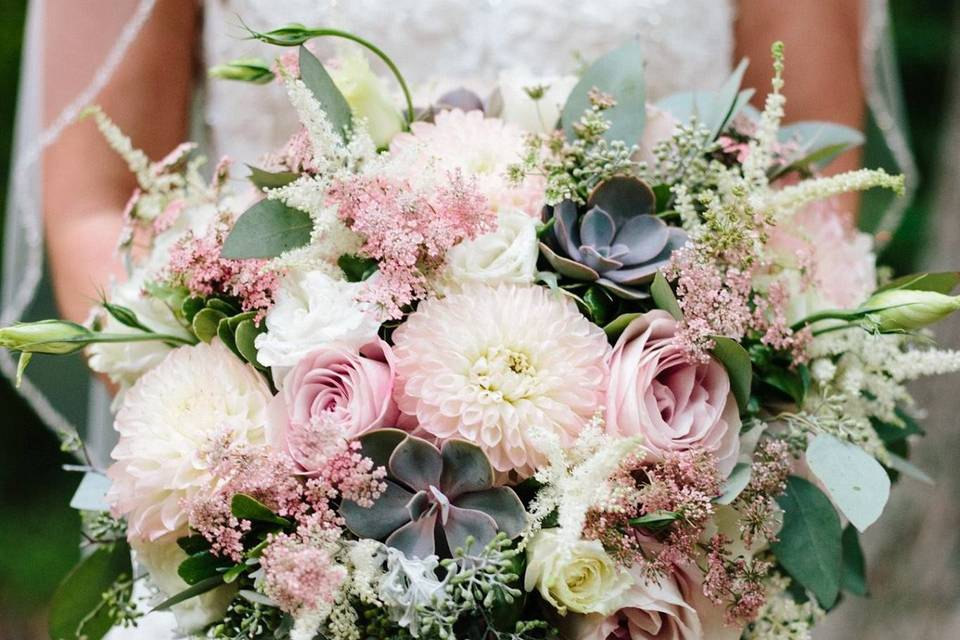 Soft pink for a rustic wedding