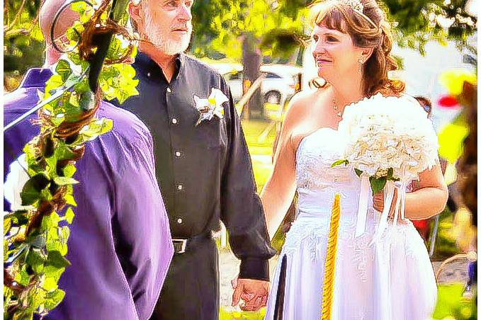 Groom and bride say their vows