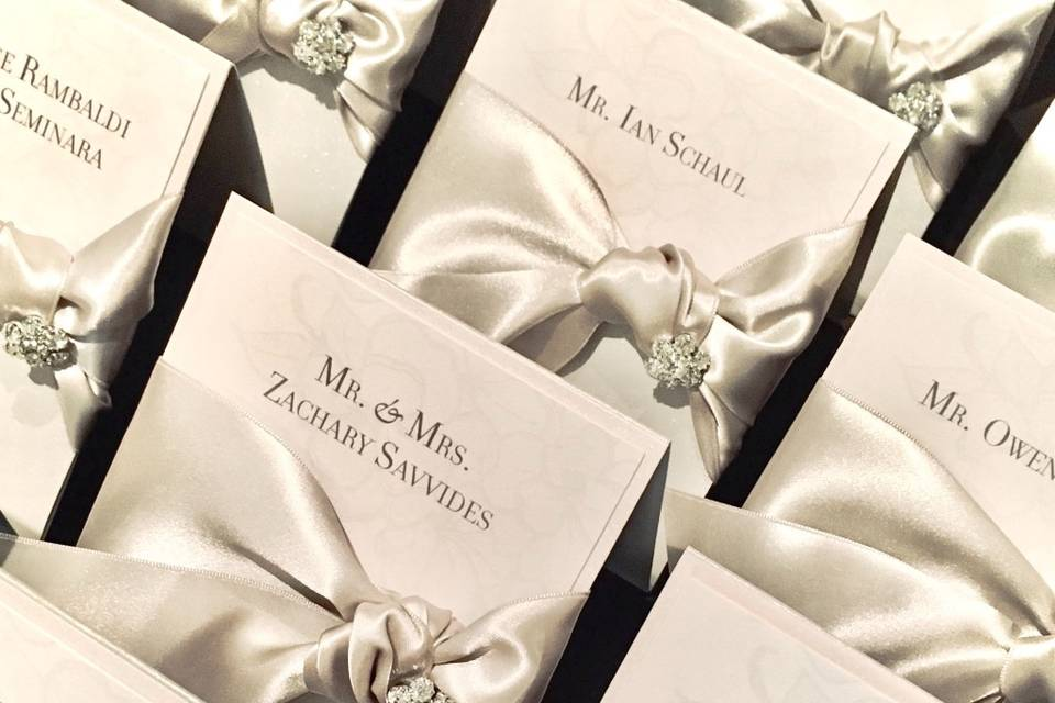 Seating cards