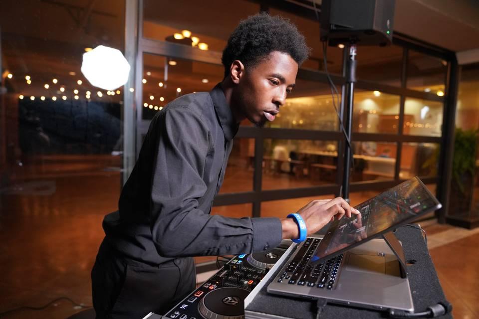 DJ S.K.A.N. Entertainment
