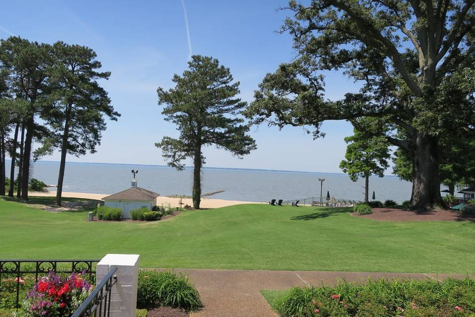 James River Country Club