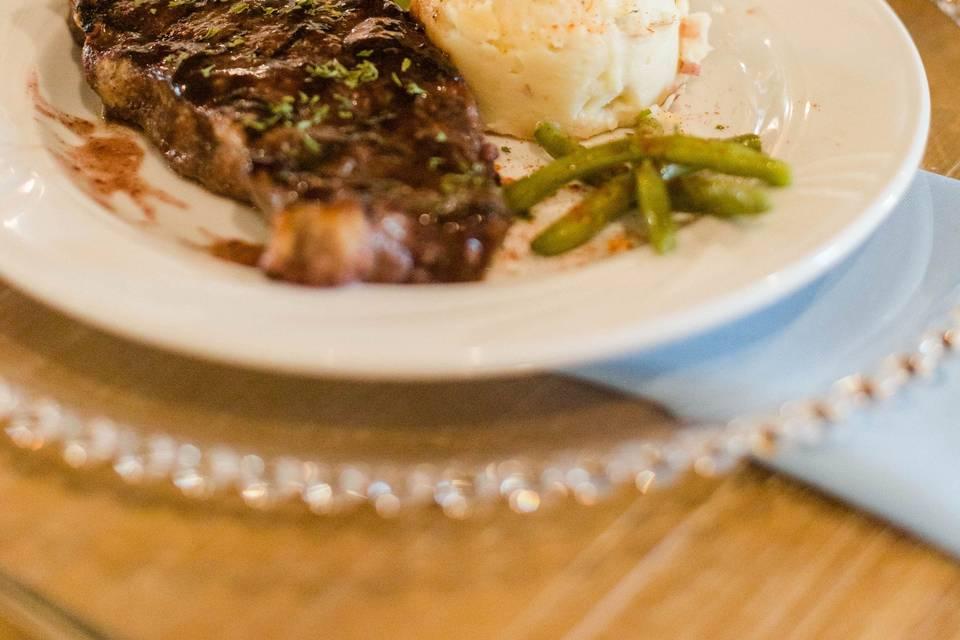 Steak & Garlic Mashed Pot.