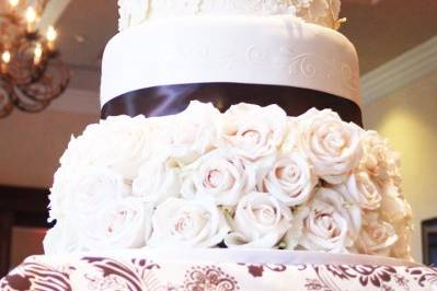 White Floral & Stenciled wedding cake