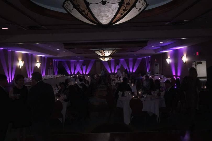 Full room uplighting
