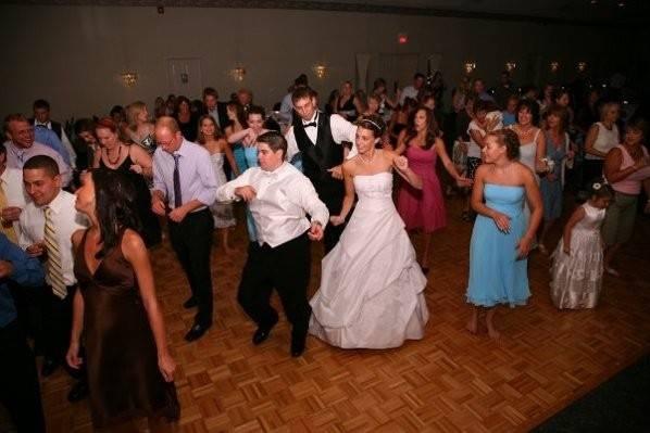 Metro Mass Entertainment Incredible Wedding Disc Jockeys in MA and NH