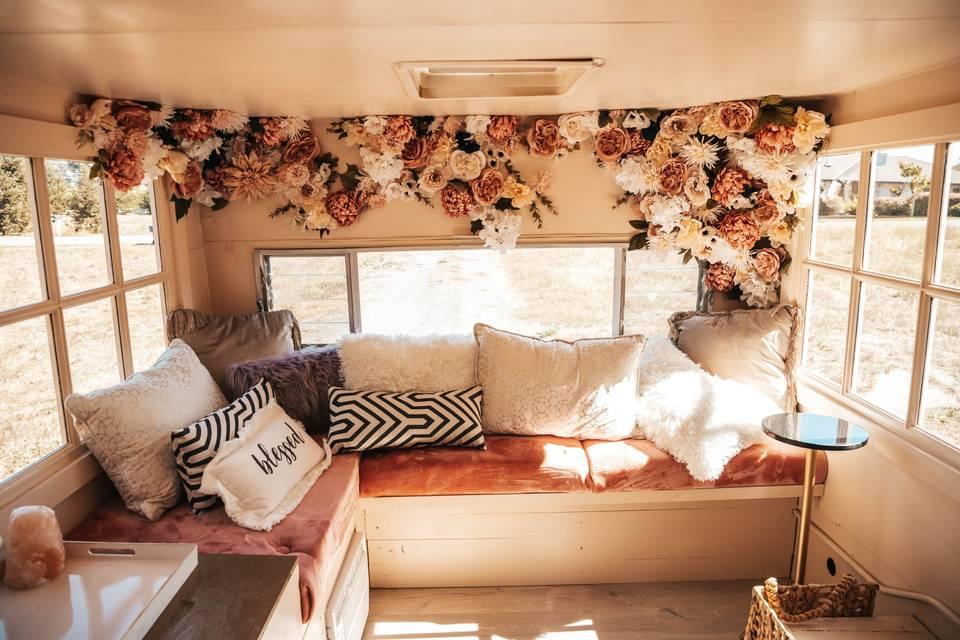 Mobile Vintage Lounge by Celeste The Stylist
