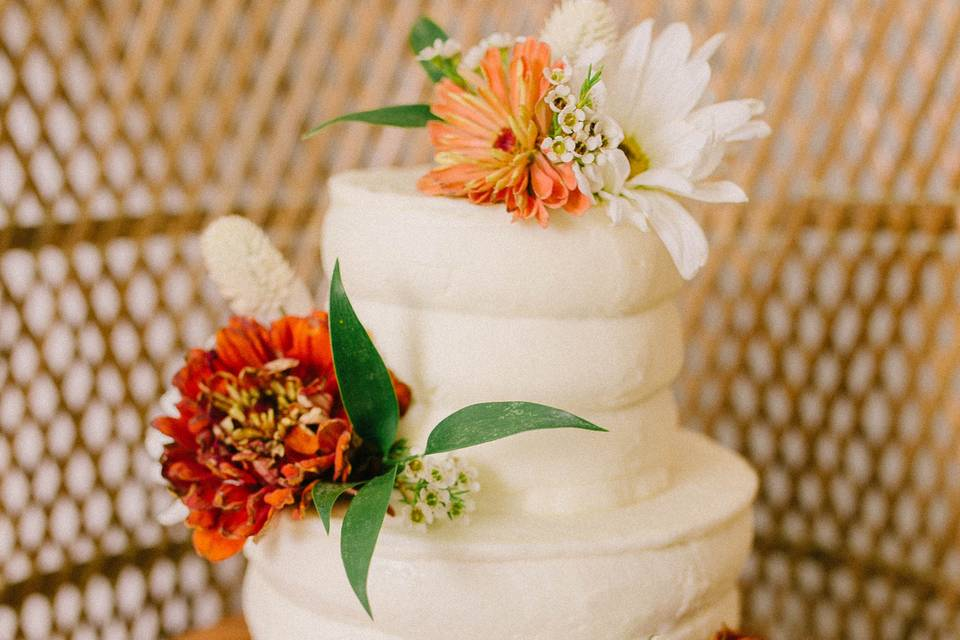 Bubble Textured Floral Cake
