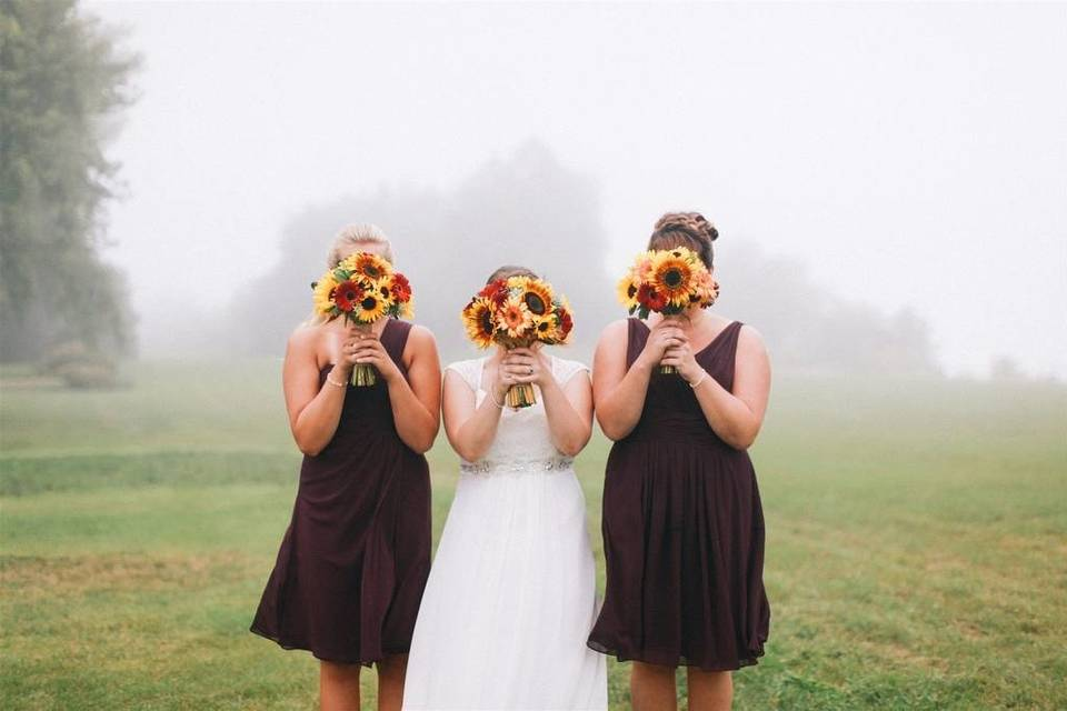 Fun wedding party moments