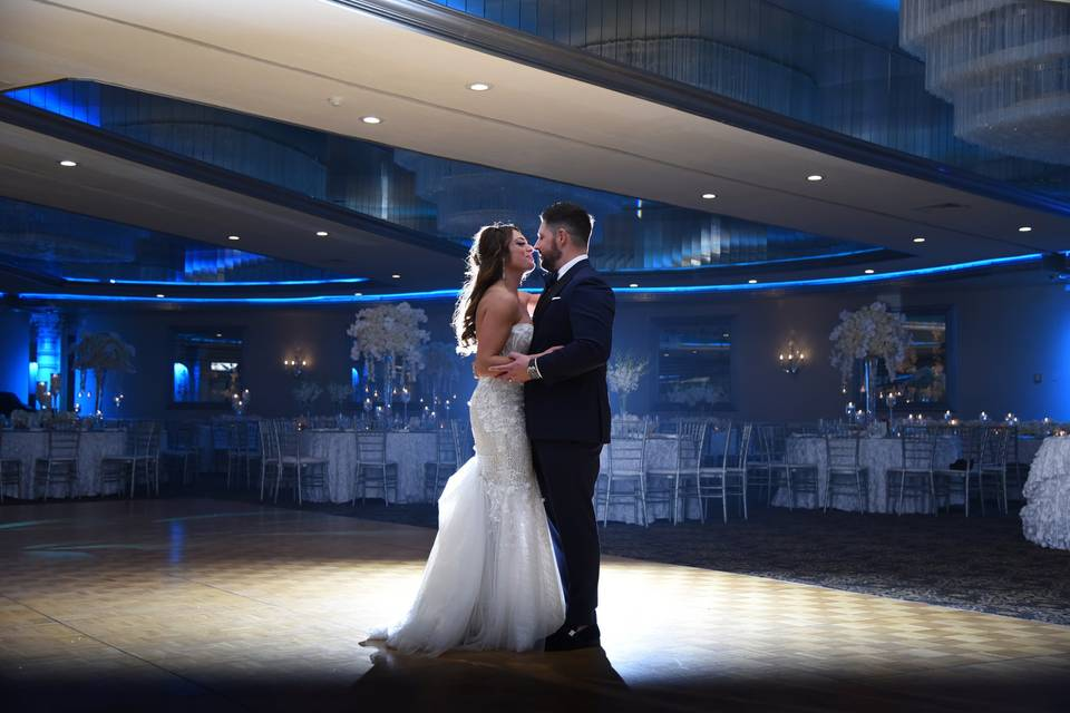 First dance kisses