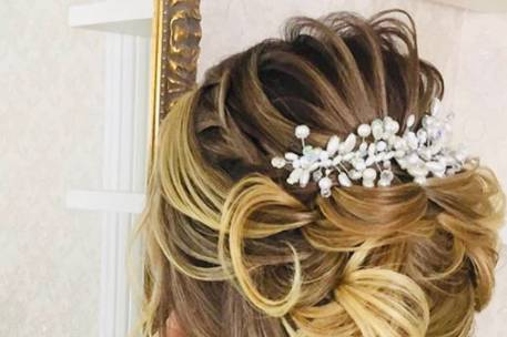 Exquisite hair  by Mary