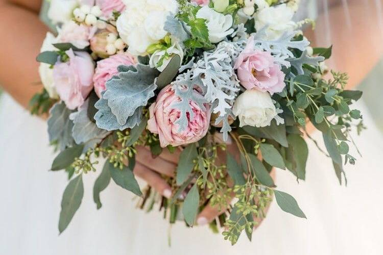 Anita's flowers and boutique