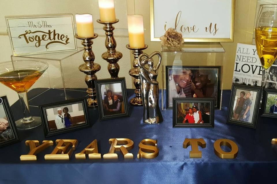Couple's portrait table