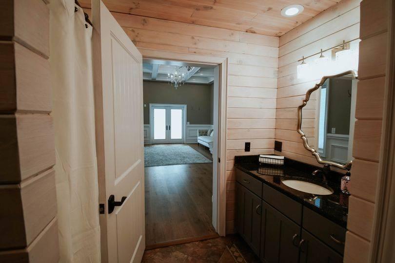 Bridal Suite Bath