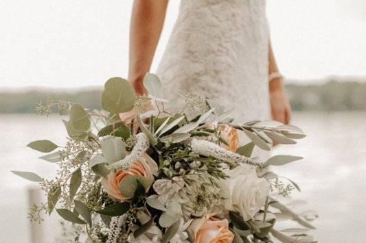 Large rustic bridal bouquet