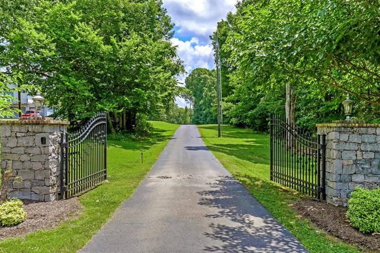 Entry into Rustic Gardens