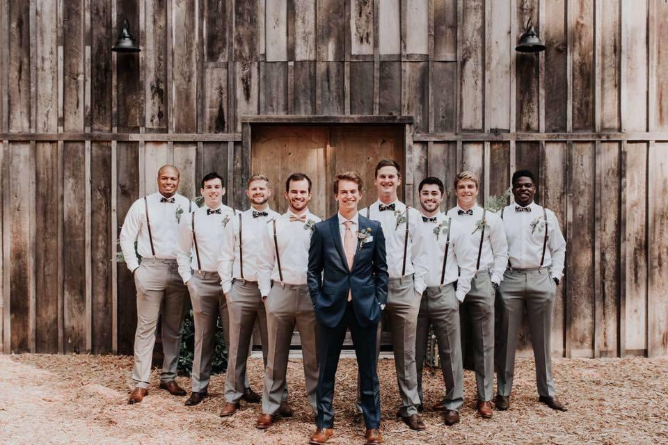 Rustic Oaks Weddings & Event Venue