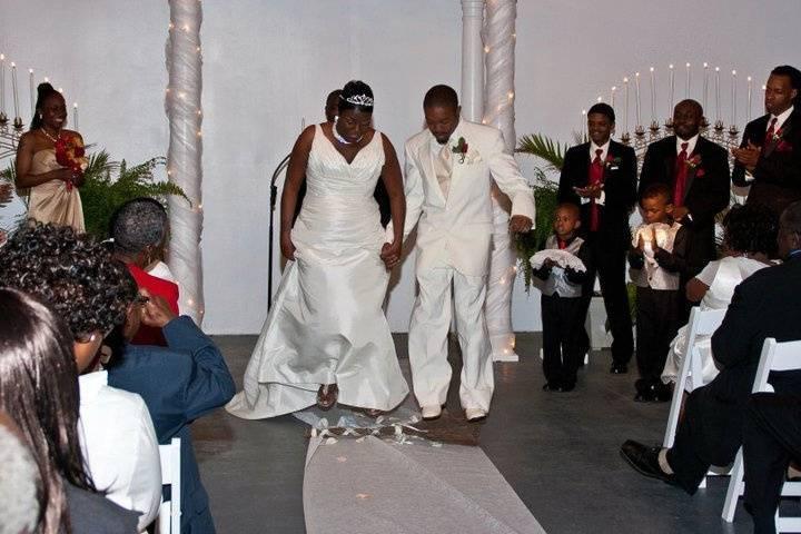 Help Me Tie The Knot Wedding Officiants