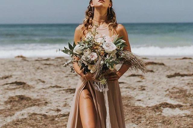 Beachy wedding design