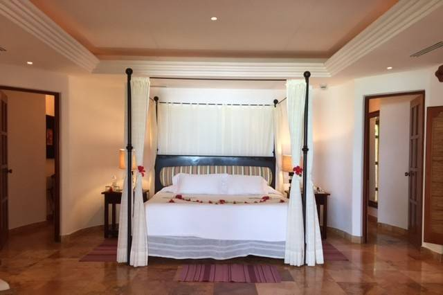 The one bedroom suite at Belmond Maroma Beach.  Elli Travel Group is a member of the Belmond Bellini Club.  Our clients receive additional amenities at no additional charge...