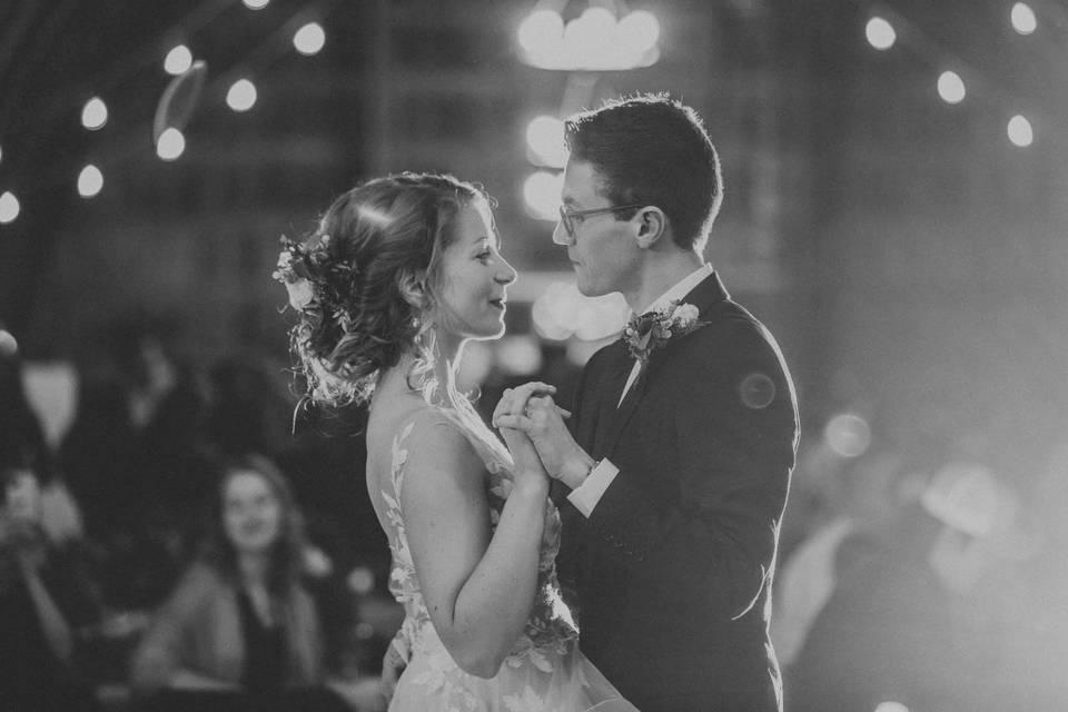 Distinctly Yours Weddings