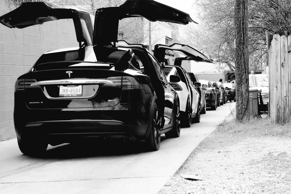 Tesla Carvan - hold up to 30 people