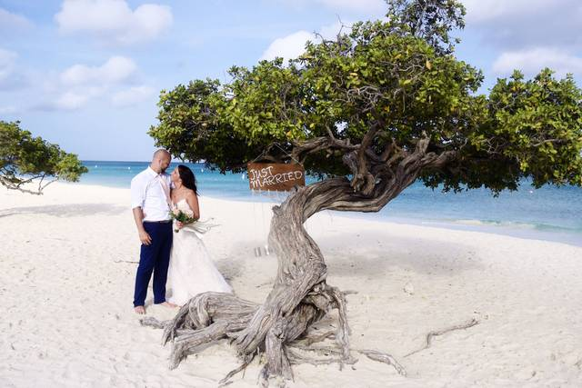 Bella Aruba Event Planning & Photography