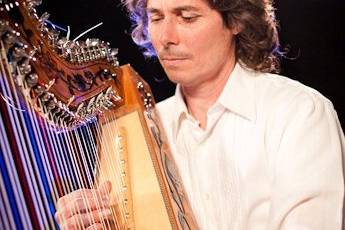 Harpist Nicolas Carter