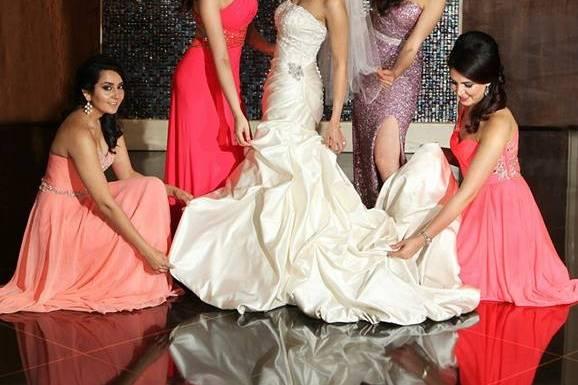Bride wuth her bridesmaid