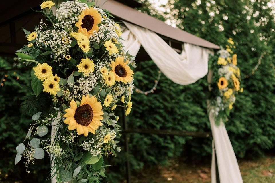 Sunflower arch pieces