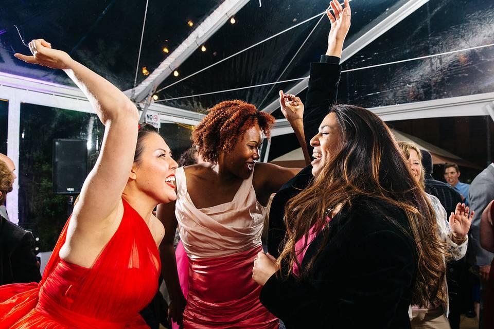 Dance Party!!!! #YosemiteWedding #soundselevatedPhoto by Jenn Emerling