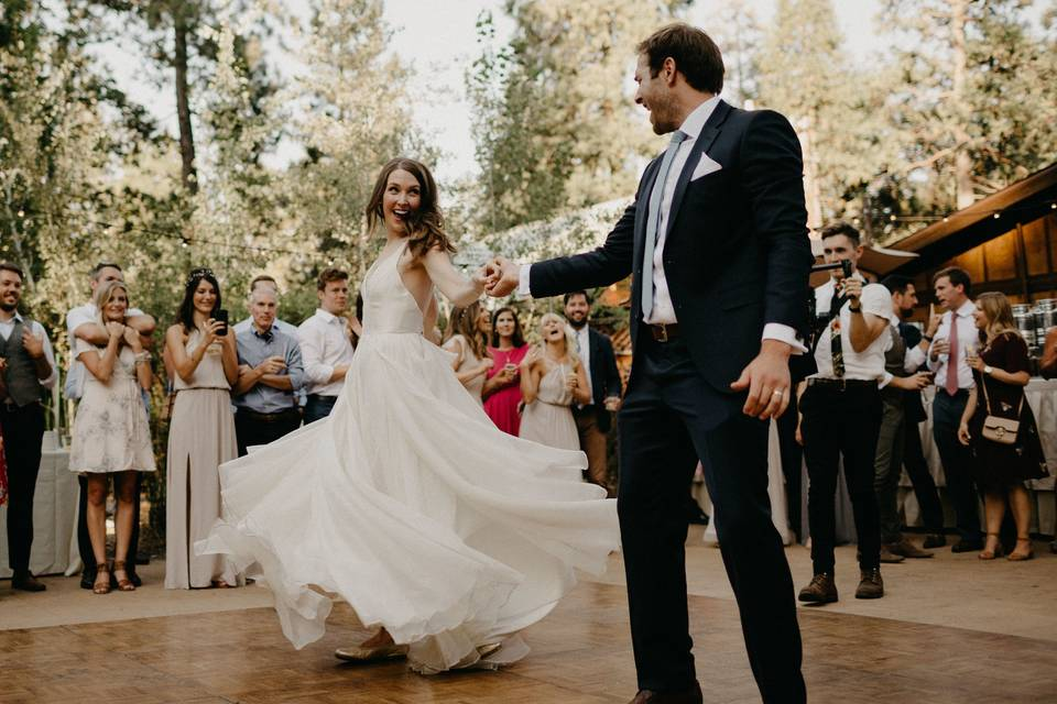 Cutting a rug in the woods! This couple nailed the first dance. Music by Sounds Elevated - Location Evergreen Lodge Yosemite.