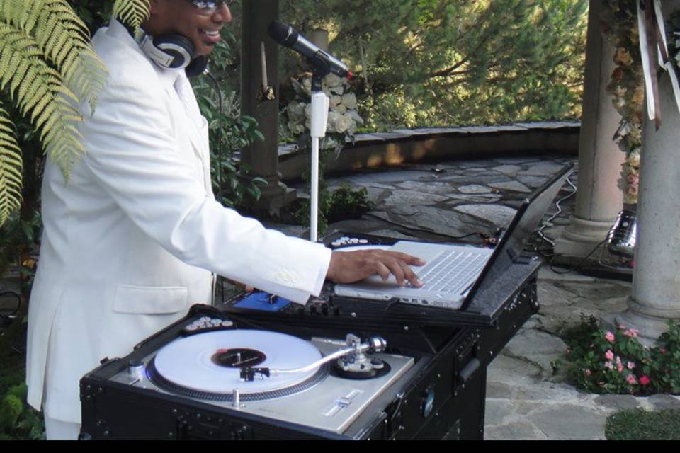 DJ Danno | Elite Sound Ent