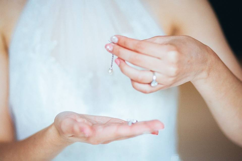 Bride geting ready