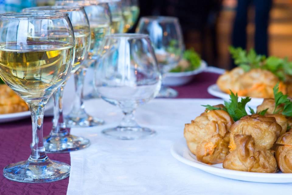 Good wine, good food!