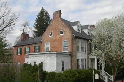 The Old Waterstreet Inn
