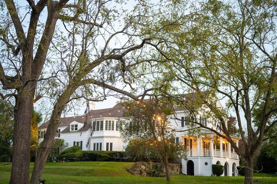 Gold Coast Manor