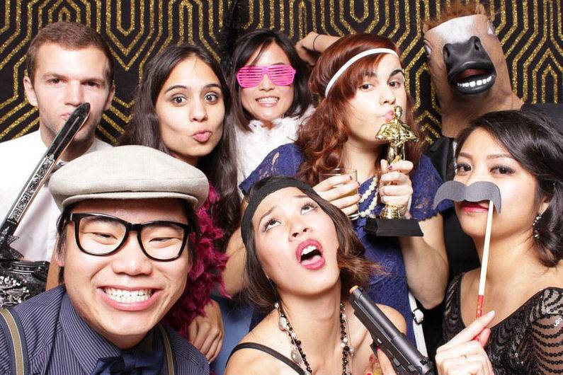 Pick N Click Photo Booth Services
