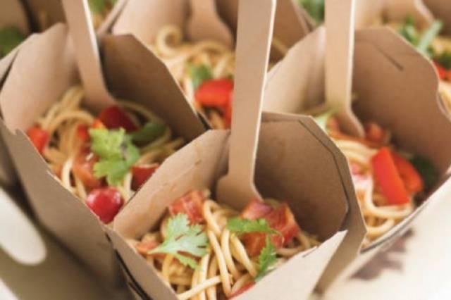 Rice noodle salad cups