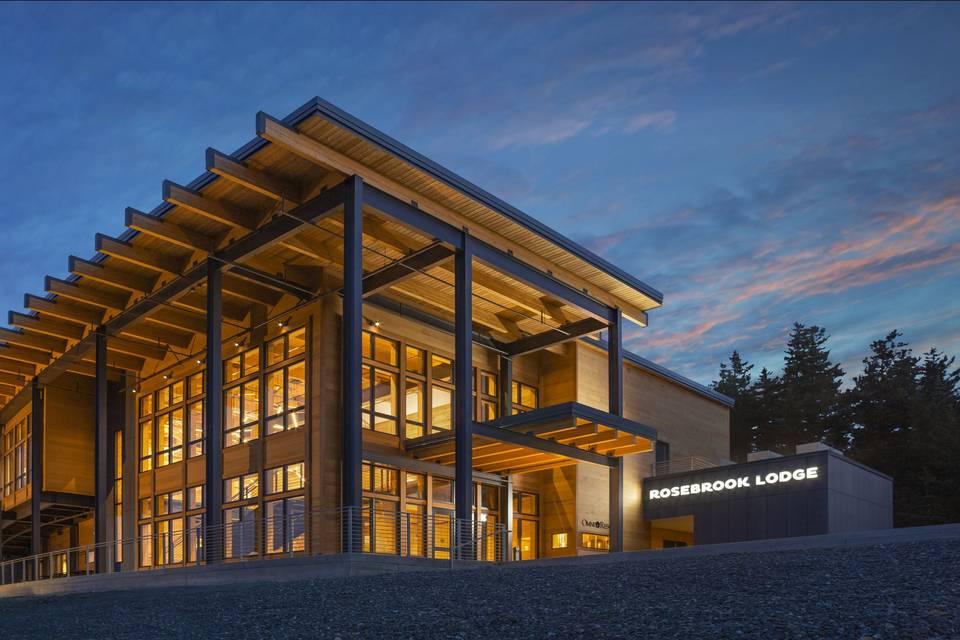 Mountain-top Rosebrook Lodge