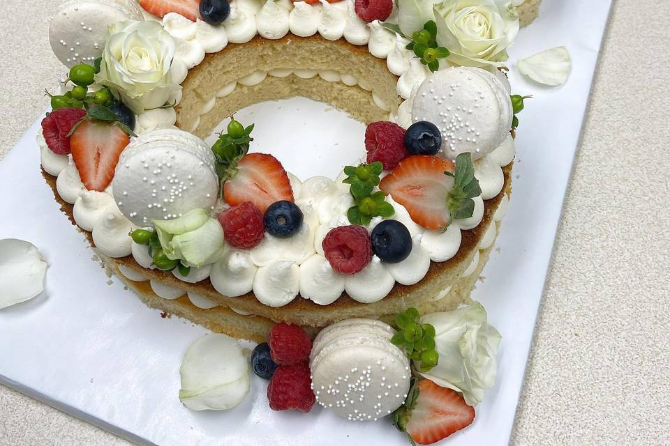 Macaron shape cake