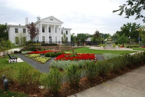 Wilder Mansion and Diana Nicholas Formal Garden