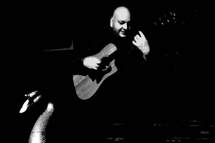 Jeff Tucker (acoustic guitar, harmonica, vocals)