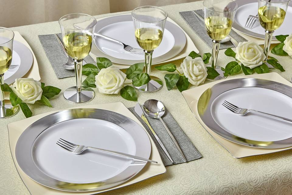 Deluxe Dinnerware