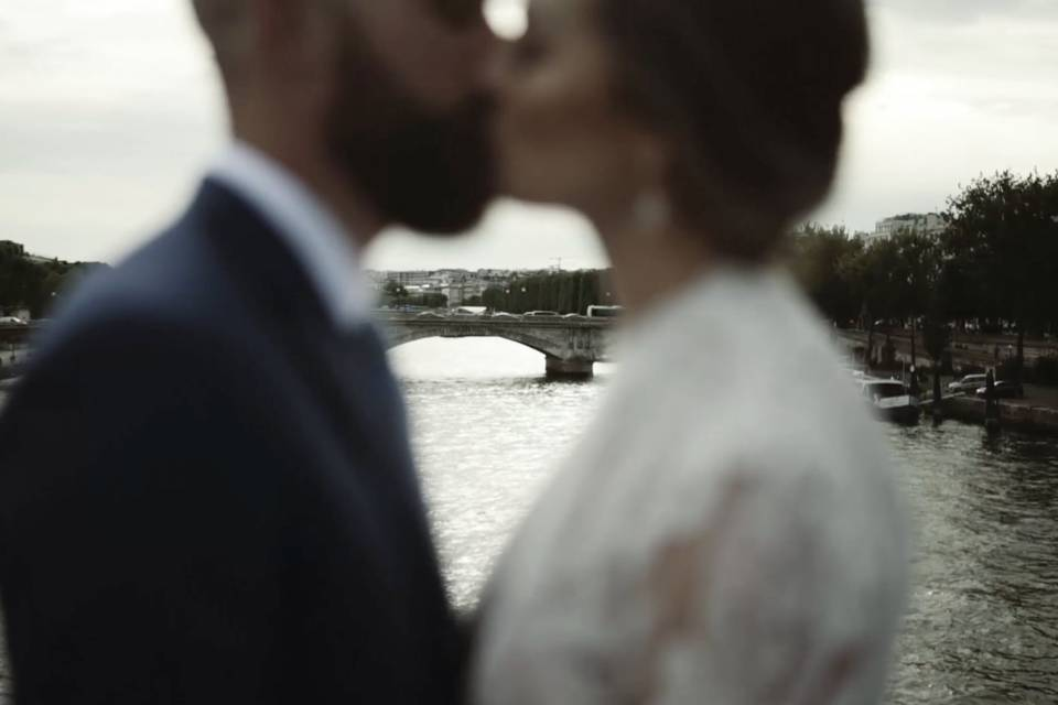 Kissing over the River Seine